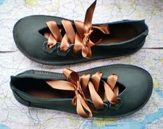 UK 6, Handmade leather shoes, D fitting, Thyme green, QUINCE £108.00 GBP
