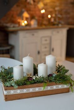 Minimal Christmas, Natural Christmas, Christmas Diy, Christmas Tree Box Stand, Wreath Boxes, Old Wooden Boxes, Winter Wonderland Christmas, Advent Wreath, Xmas Wreaths