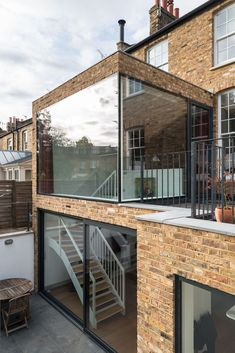 Image 13 of 27 from gallery of Clapham House / MW Architects. Photograph by French + Tye House Extension Design, Extension Designs, Glass Extension, Facade Architecture, Contemporary Architecture, Facade Design, Exterior Design, Small Space Interior Design, Dream House Exterior