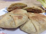 How to Make Egyptian Hawawshi ( Alexandria Way ) Recipe - Snapguide Middle East Food, Middle Eastern Recipes, Egyptian Bread Recipe, Beef Recipes, Cooking Recipes, Recipies, Pan Relleno, Egyptian Food, Gourmet