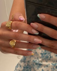 In summer I always like to wear a lot of color on my nails. Not only on my nails but my clothing too haha. So these super cool nails are perfect for upcoming spring and summer. They are colorful but… Minimalist Nails, Minimalist Art, Ten Nails, Hallographic Nails, Dark Nails, Blue Nails, Stiletto Nails, Nagellack Trends, Dream Nails