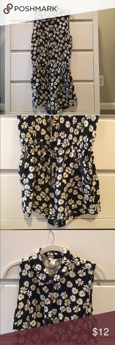 Daisy Romper Worn twice; cute romper perfect for summer Free People Dresses