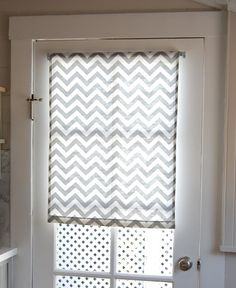 Love and Life at Leadora: Roller Shades 101 Door Window Covering, Door Window Treatments, Window Coverings, Front Doors With Windows, Glass Front Door, Glass Doors, French Door Curtains, Diy Curtains, Shades For French Doors