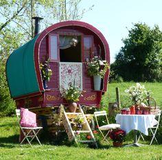 Romantic Break Gypsy Wagon, Holiday Cottage, Yurt, Self Catering, Cornwall B&B - Vanlife & Caravan Renovation Gypsy Trailer, Gypsy Caravan, Gypsy Wagon, Gypsy Home, Caravan Holiday, Romantic Breaks, Tiny House Swoon, Gypsy Living, Vintage Caravans