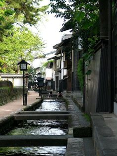 japanese village streets - love how quaint and tranquil the place is