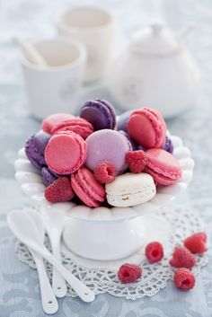 These are absolutely lovely!  Gary would love these because of the berries! Colorful Macarons