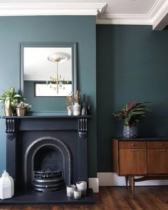 - Home interior Design Living Room Paint Colors - Home interior Design Luxury Beach Houses Dark Living Rooms, Living Room Green, Home Living Room, Living Room Designs, Living Room Decor Dark Wood Floor, Blue Green Rooms, Living Room Lighting Ceiling, Living Room Units, Farrow And Ball Living Room