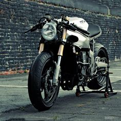 Kawasaki ZX 750 Ninja by Bill Webb to Huge Design