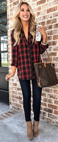 casual outfit inspiration / plaid shirt bag boots black skinnies
