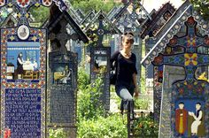 Les plus beaux cimetières du monde: Mexique, Etats-Unis, Roumanie: au gré des cultures, les tombes se parent de mosaïques multicolores ou s'empilent les unes sur les autres.