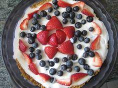 HOW TO: Make a Festive Fourth of July Frozen Yogurt Fruit Pie | Inhabitots
