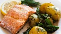 Looking for the best Salmon recipes? Get recipes like Easy Salmon Foil Packets with Vegetables, Easy Grilled Salmon and Poached Salmon from Simply Recipes. Salmon Recipes, Potato Recipes, Fish Recipes, Seafood Recipes, Cooking Recipes, Healthy Recipes, Cooking Ribs, Cooking Ideas, Healthy Foods