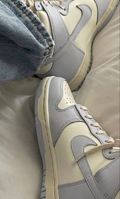 Dr Shoes, Swag Shoes, Nike Air Shoes, Hype Shoes, Me Too Shoes, Shoes Sneakers, Aesthetic Shoes, Fresh Shoes, Mode Streetwear