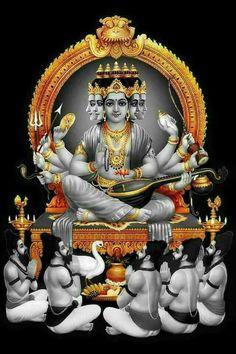 Dhakshinamoorthy Sanskrit: दक्षिणामूर्ति (Dakṣiṇāmūrti) is an aspect of the Hindu god Shiva as a guru (teacher) Gnana Kadhavul of all types of knowledge. Shiva Hindu, Shiva Shakti, Hindu Deities, Hindu Art, Lakshmi Images, Radha Krishna Images, Krishna Art, Krishna Pictures, Hare Krishna