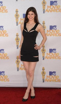 Pictures and GIFs of famous actresses, singers, models, athletes and other beautiful celebs. Beautiful Celebrities, Most Beautiful Women, Beautiful Actresses, Alexandra Daddario Images, Red Carpet Looks, Beautiful Indian Actress, Glamour, Celebs, Pretty