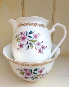 Royal Grafton milk jug/creamer and  sugar bowl. Vintage bone china - English…