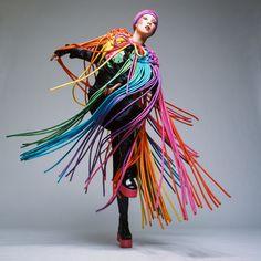 Kansai Yamamoto, el diseñador que asombró a Bowie - T Spain Rei Kawakubo, Ziggy Stardust, Glam Rock, Fashion Images, Fashion Art, Crazy Fashion, Editorial Photography, Fashion Photography, British Magazines