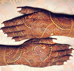 Love the intricate details Peacock Mehndi Designs, Mehndi Designs Book, Full Hand Mehndi Designs, Indian Mehndi Designs, Modern Mehndi Designs, Wedding Mehndi Designs, Mehndi Design Pictures, Latest Mehndi Designs, Mehandi Designs