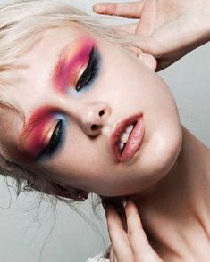 Smoked eyes pink red orange shadow makeup editorial makeup makeup artist be 80s Makeup, Hair Makeup, Crazy Makeup, Prom Makeup, Makeup Kit, Makeup Eyeshadow, Smoked Eyes, Make Up Inspiration, Beauty Make-up