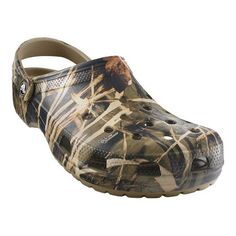 c3b9a2db4f8 Crocs Classic Realtree V2 - Khaki Clogs Camo Patterns, Crocs Clogs, Crocs  Men,