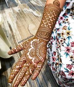 No automatic alt text available. Mehndi Designs Front Hand, Indian Henna Designs, Full Hand Mehndi Designs, Simple Arabic Mehndi Designs, Mehndi Designs For Beginners, Mehndi Designs 2018, Modern Mehndi Designs, Dulhan Mehndi Designs, Wedding Mehndi Designs