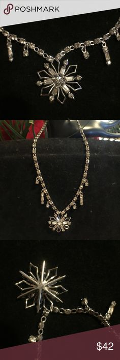 """Gorgeous High End vintage rhinestone necklace Just gorgeous vintage High End rhinestone necklace. 15 1/2 """". Vintage Jewelry Necklaces"""