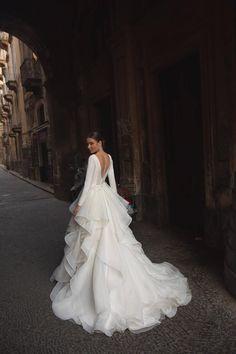 Dream Wedding Dresses, Bridal Dresses, Couture Wedding Gowns, Wedding Ball Gowns, Satin Wedding Dresses, Celebrity Wedding Gowns, Expensive Wedding Dress, Long Gown For Wedding, Royal Wedding Gowns