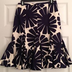 J. CREW graphic flower skirt Gorgeous big graphic blooms on this amazing skirt! Like new..In Excellent condition J. Crew Skirts