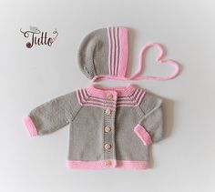Very cute baby girl set (jacket + hat + booties). This set is soft and thin but warm. Perfect for spring/autumn season even more for cold summer days and for newborn (early days). Material : High quality soft 100% merino wool. Care: Handwash Every item from Tutto is HAND knit and MADE TO