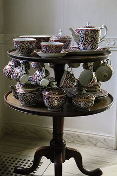 Photo Credit: Courtesy of Sotheby's. 'Queen Charlotte' pattern dessert service (circa 1770-1820).