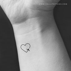 Traveller heart temporary tattoo (set of cute tattoos тат Small Heart Tattoos, Small Tattoos With Meaning, Small Wrist Tattoos, Cute Small Tattoos, Mini Tattoos, Tattoo Small, Cute Little Tattoos, Awesome Tattoos, Tiny Foot Tattoos