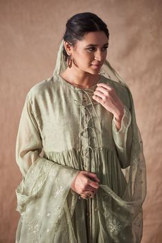 Good Earth brings you luxury design crafted by hand, inspired by nature and enchanted by history, celebrating India's rich history and culture through original, handcrafted products. Pakistani Party Wear, Pakistani Dresses Casual, Indian Party Wear, Pakistani Dress Design, Embroidery On Clothes, Embroidery Suits, Kurta Patterns, Kurta Designs Women, Indian Bridal Fashion