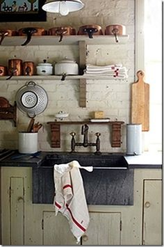 Sweet Cottage Dreams: Designing A Farmhouse Kitchen