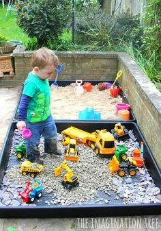 DIY outdoor sensory play areas for toddlers and preschoolers. Outdoor Play Ideas… DIY outdoor sensory play areas for toddlers and preschoolers. Natural Play Spaces, Outdoor Play Spaces, Kids Outdoor Play, Kids Play Area, Backyard For Kids, Diy For Kids, Outdoor Games, Backyard Pools, Backyard Landscaping
