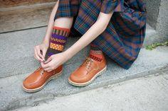 【Gentlewomen紳士女生】 SOPHIE 手縫經典馬克鞋 https://farm6.staticflickr.com/5791/20952643965_3489a897df_b.jpg 手縫馬克的Sophie是設計師本身最愛收集的鞋款。 沒有特別的設計靈感, 就是單純認為女生應該擁有一雙*...