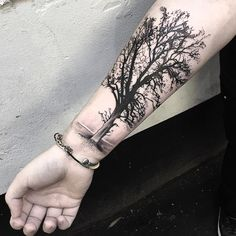 Black-And-Grey-Tree-Tattoo-On-Right-Forearm.jpg (1080×1080) Mais