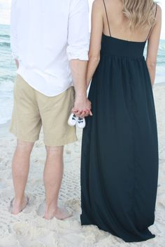 Pregnancy announcement and gender reveal beach photo