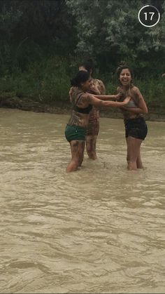 Have a mud fight!!!!! Mud fight in the river!!!