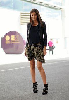 Barbara Martelo   analizando la moda