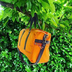 Na Tyrex 🦖 sur Instagram: Nouveau sac de voyage 🧳 pour des week-ends ensoleillés ☀️ Patron de @patrons_sacotin #sac #bag #travelbag #sacdevoyage #couture…