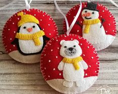 White Christmas Ornaments, Felt Christmas Decorations, Valentine Decorations, Felt Ornaments, Christmas Centerpieces, Christmas Snowman, Christmas Projects, Holiday Crafts, Handmade Felt