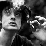 Poeta, músico, escritor, compositor y modelo británico: Peter Daniell Doherty, un tipo encantador, adicto a las drogas y al alcohol.