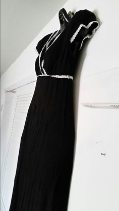 Size small maxi dress. Has a LOT of stretch. Can easily fit a medium and smaller large. $10 obo.