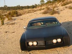 1966 Buick Riviera GS. Looks truly evil in matt black. / TechNews24h.com