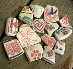 Sea pottery, large red, rose green, blue and white for jewelry, 14 pieces…