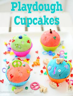 Looking for a really cute and customized Birthday gift or Birthday Party Favor? These playdough cupcakes are easy to make and very affordable, any child would love them! Playdough Cupcakes. SunshineandHurricanes.com