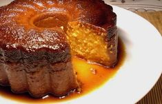 menus This very easy to make Portuguese carrot pudding (pudim de cenoura) is delicious and makes a great dessert. No Cook Desserts, Great Desserts, Cookie Desserts, Portuguese Desserts, Portuguese Recipes, Portuguese Food, Pudding Recipes, Cake Recipes, Dessert Recipes