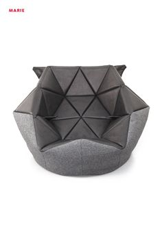 Marie by Antoinette Bader is a conventional bean bag given a refined triangular outline that can be molded into different forms. Wooden Dining Room Chairs, Dining Chair Slipcovers, Modern Dining Chairs, Bean Bag Bed, Bean Bag Chair, Bean Bags, Leather Bean Bag, Origami Furniture, Movie Chairs