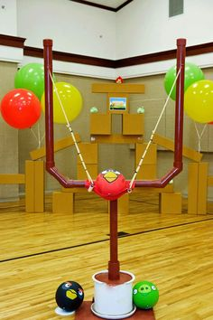 DIY Game Night, Back Yard Angry Birds see more at http://diyready.com/12-diy-game-night-ideas/