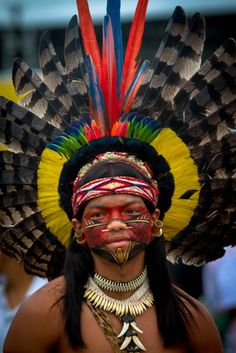 Brazil | Portrait of a Pataxo Indian participant at the Rio+20 event. Kari-Oca. Jacarepagua, Rio de Janeiro. | © Paulo Neves